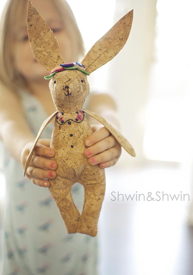 Woodland Bunny Softie    Free Pattern    Shwin&Shwin